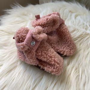 Robeez baby slippers